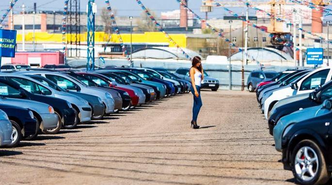 Стоит ли покупать автомобиль в Москве?